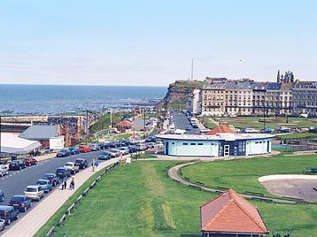 Whitby West Cliff Photo