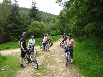 Photo of cyclists ready to go mountainbiking in Dalby Forest