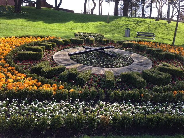 Photo of the floral clock in pannett park