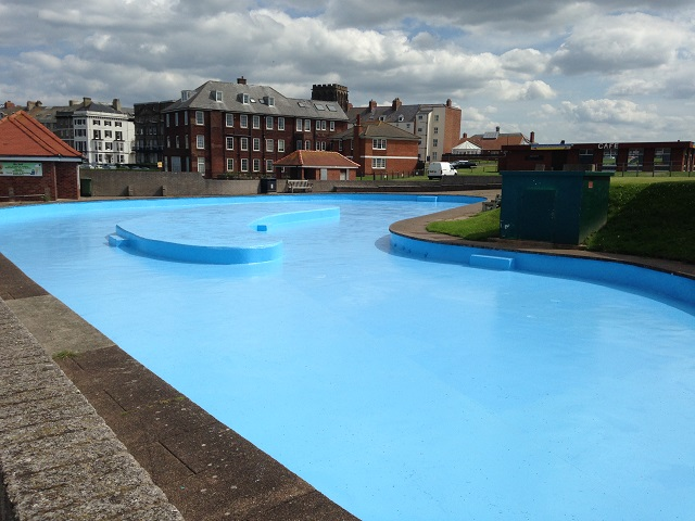 photo of West Cliff paddling pool