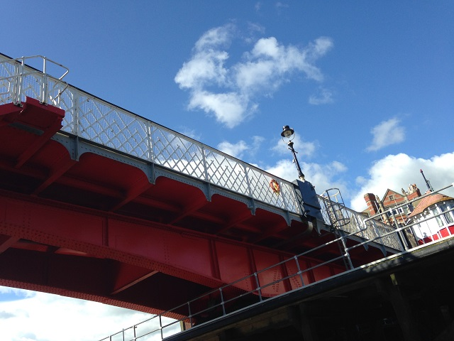 photo of the Swing Bridge