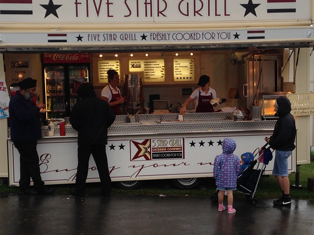 photo of fast  food stall