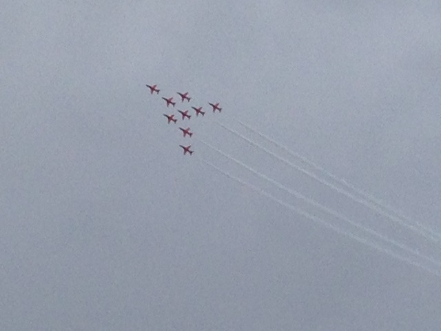 photo of red arrows