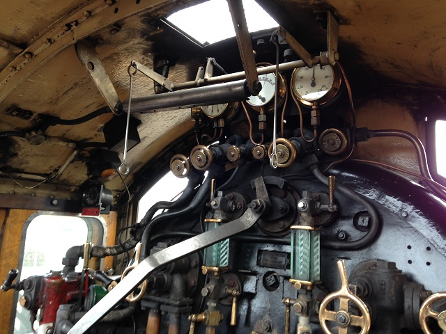 photo of the engine controls